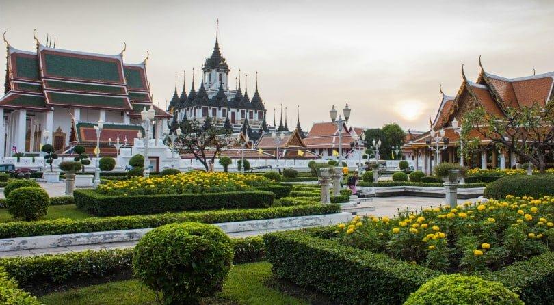 Железный дворец